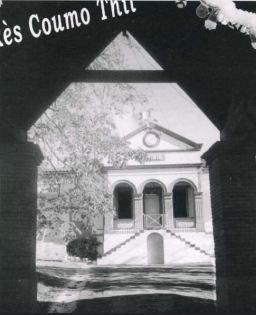 Vue ancienne de la Mairie de Thil